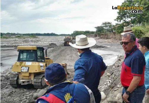Gobernador supervisa obras en el río Cravo Sur