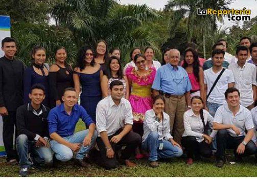 Beneficiarios del programa Educa con Equión.