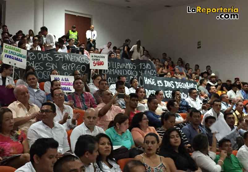 Manifestación de Médicos en visita de Procurador Carrillo