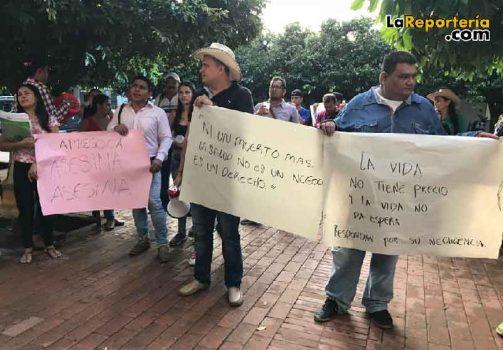 Protestas frente a la eps Capresoca-