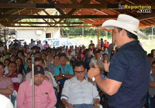 Reunión adelanta en la vereda La Vega de Yopal.