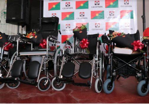 Casanare entrega sillas de ruedas donadas por Geopark.