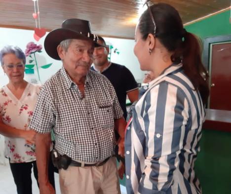 Constanza y su padre Lino Vega.