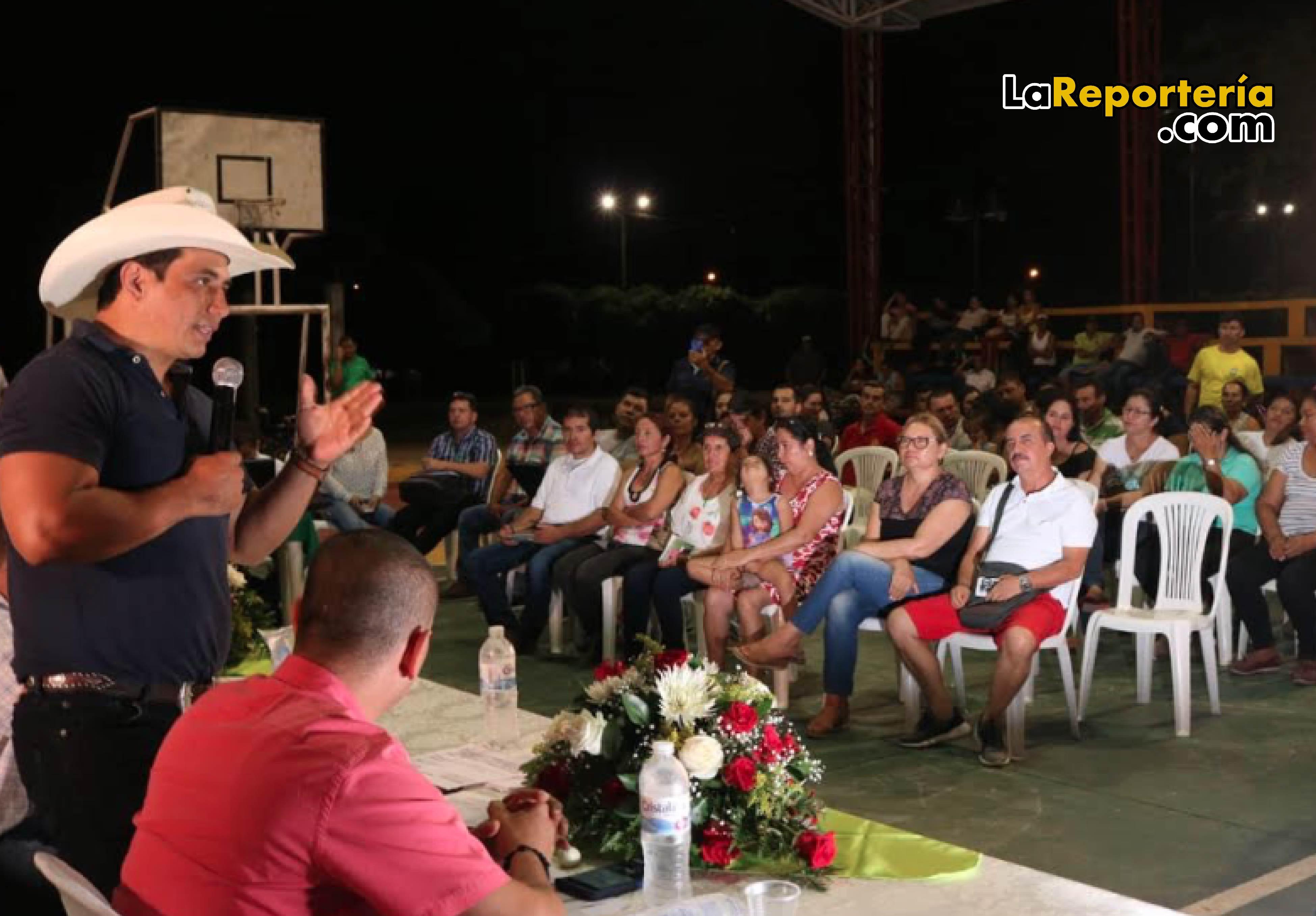 Gobernador socializó proyecto de pavimentación en Aguazul-