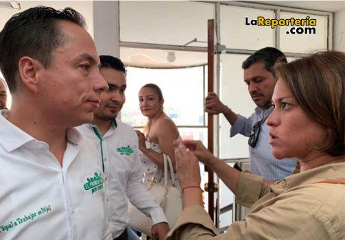 Superservicios Natasha Avendaño y Alcalde Leonardo Puentes.