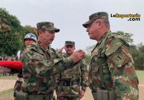 General Nicasio Martínez comandante del Ejército Nacional - general Helder Giraldo Bonilla, ex comandante de la VIII División.