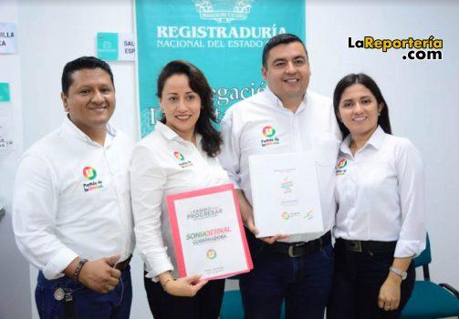 Sonia Bernal y Diego Aranguren con sus espos@s