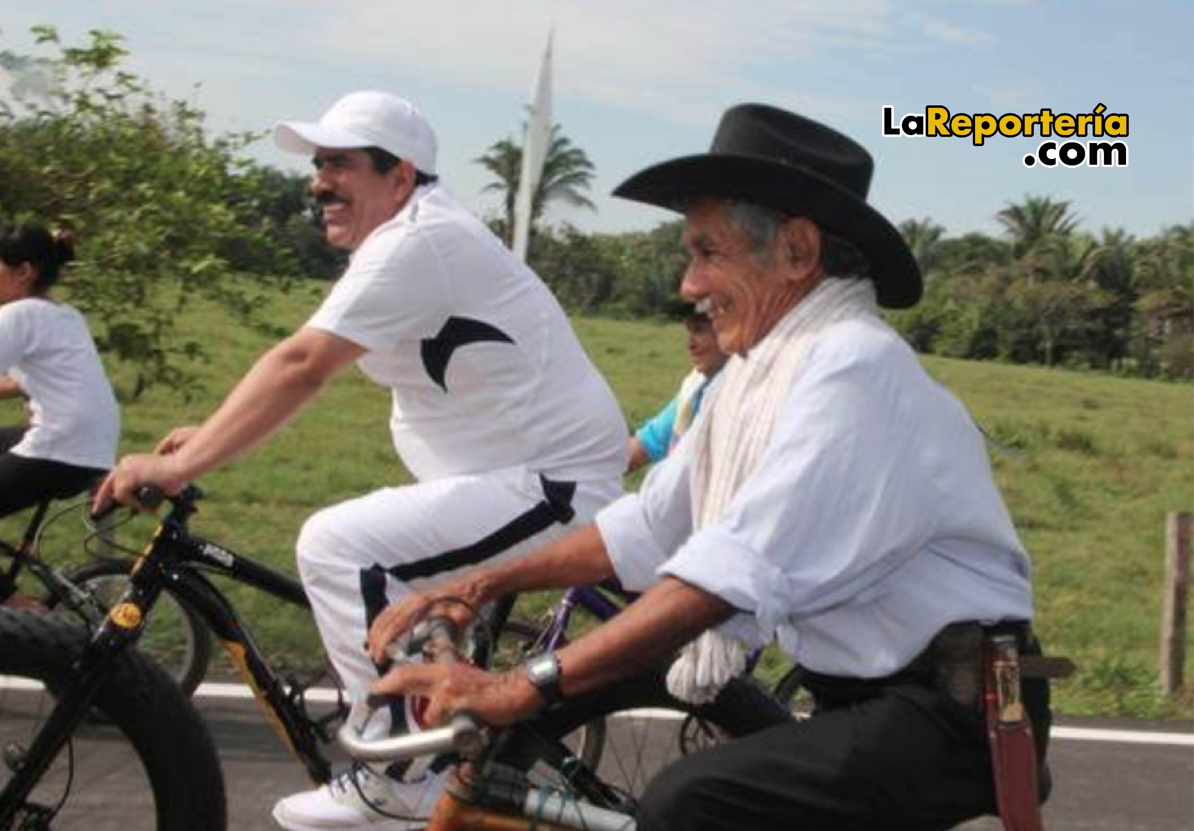 Marco Tulio Ruiz participando de cicloruta.
