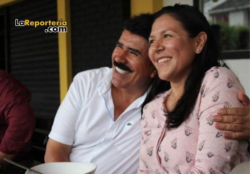 Marco Tulio Ruiz compartiendo con comunidad.