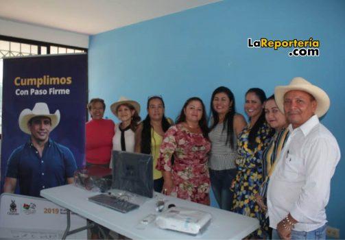 Marisela Duarte entregó elementos a comunales en Yopal.