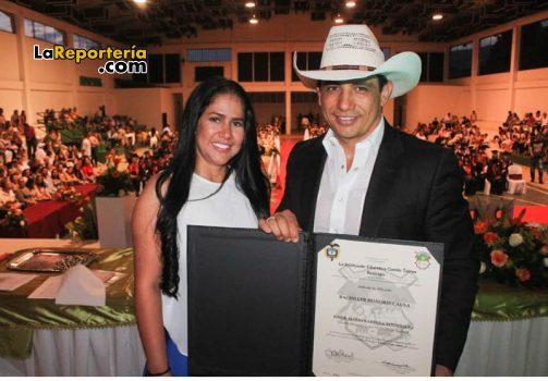 Otorgan título de bachiller al gobernador de Casanare.